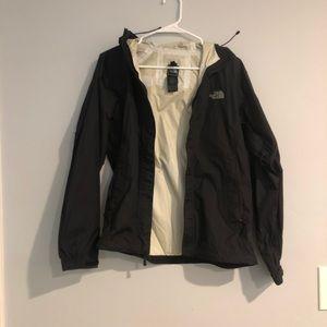 Women's hooded North face hyvent 2.5 L rain jacket